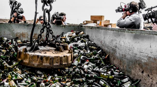 FBI zerstört die Fälschungen aus Rudy Kurniawans Weinsammlung
